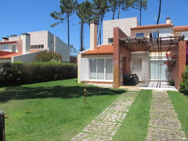 Moradia V3 - Mira Villas - Videira Sul - House