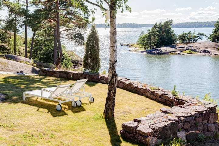 Luxury Villa by the sea near Helsinki