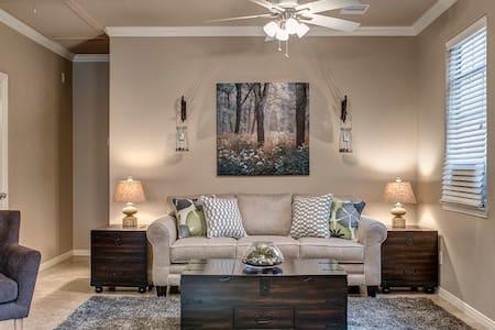 Private Woodlands Area- Guest Apt. - Conroe - Apartmen