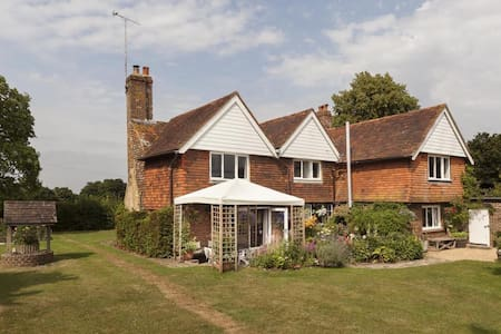 Eaton Throne House - Woodmancote - Bed & Breakfast
