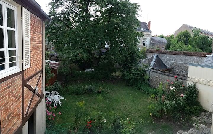 Appartement duplex avec jardin, proche Loire.