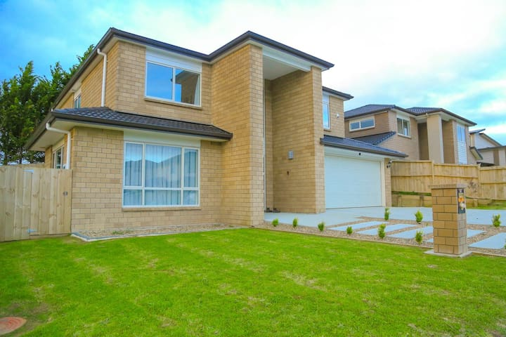 NEW HOME looking for reliable guest - Papakura - House