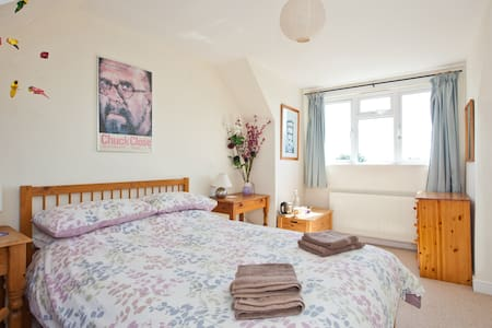 Town Centre en suite double room - Shoreham-by-Sea - Aamiaismajoitus