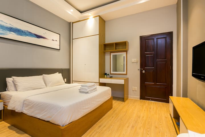 Deluxe Studio near Ben Thanh Market, full kitchen