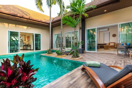 Modern 3BR Pool Villa Walk to Beach