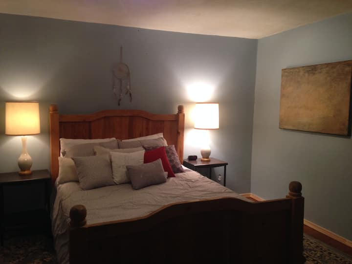 Charming Getaway, Great reviews, no cleaning fees