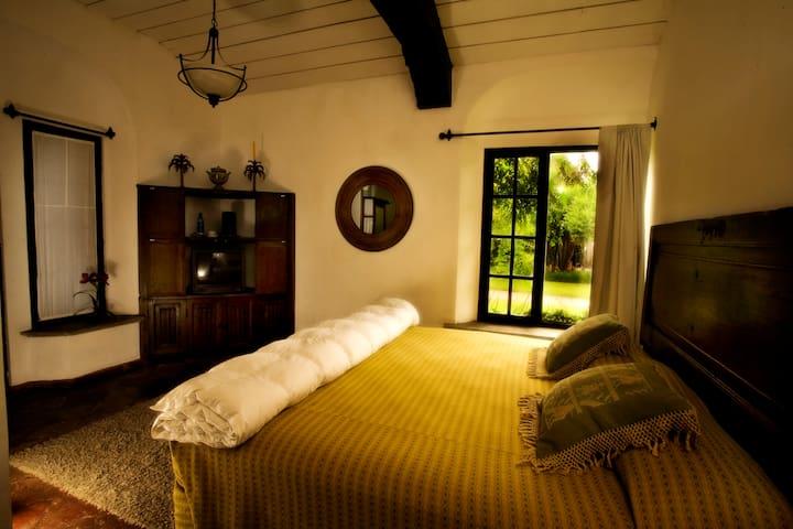 Casa Capuchinas Room 4