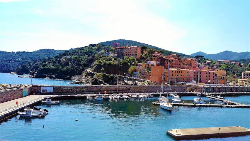 Rio Marina: Romantico monolocale con balcone. - Rio Marina - Apartemen