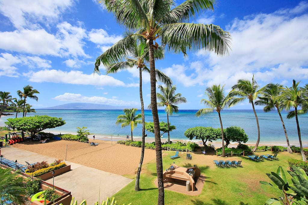 Looking right over the beach, the ocean and the island of Lanai!