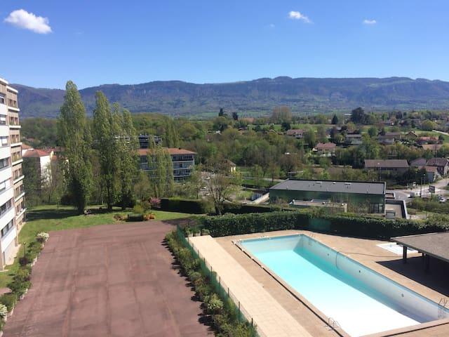 Beau studio piscine et vue dégagée - Saint-Julien-en-Genevois - Apartament