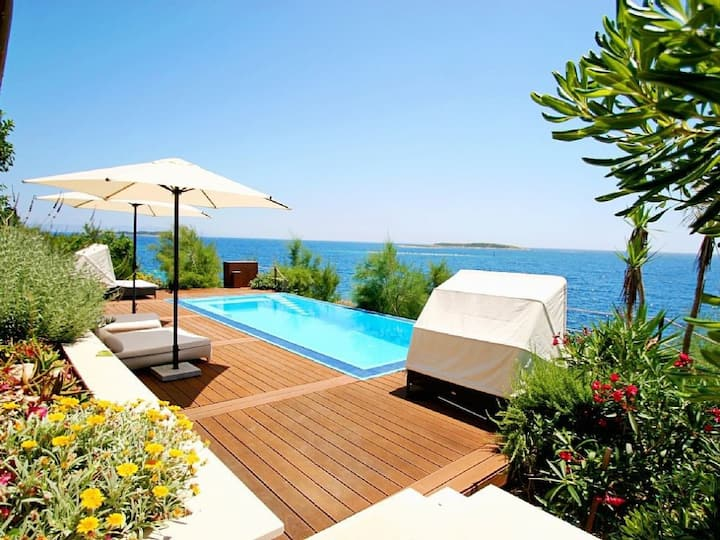 Luxury Beachfront Sea Side Villa Issa with private pool right at the beach with sea mooring on Vis island