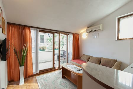 Apartment in the Old Town with the balcony - Мостар - Квартира