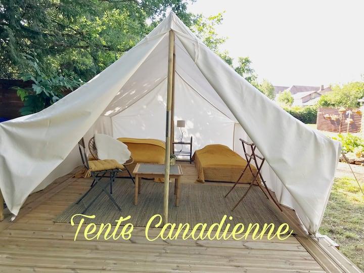 Tente Canadienne, au bord du canal, Redon.