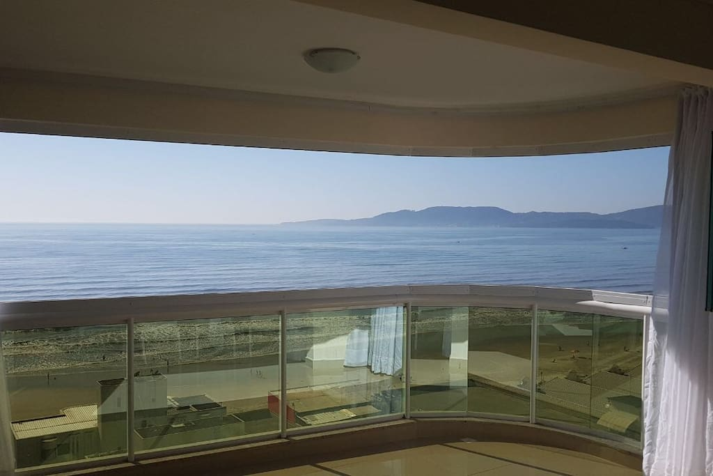 Vista da sala para praia