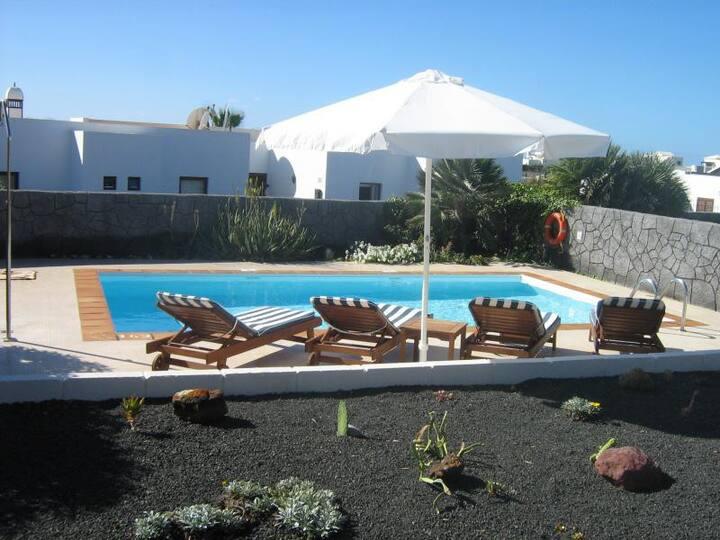 Quiet Villa with private pool, Lanzarote