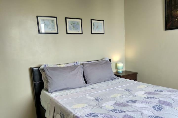 Spacious 1 Bedroom Apartment Condo in Alabang
