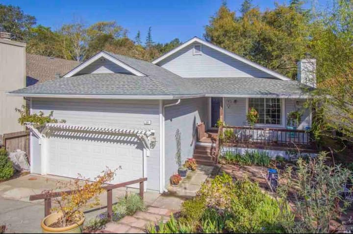 Enchanting Sonoma Wine Country Retreat 3BD/2BA