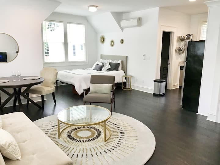 Cozy luxury in Emory Highlands