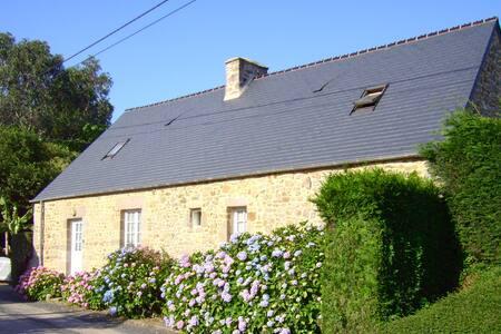 Charmante maison de campagne - La Pernelle
