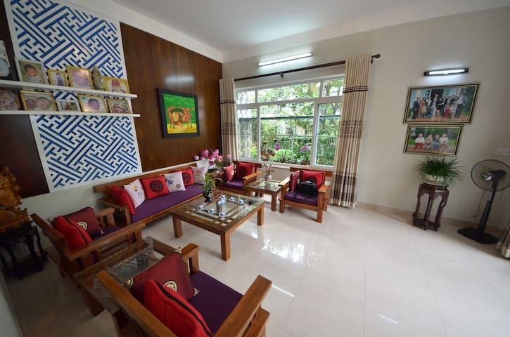 Homestay in a green villa - tp. Huế - Вилла