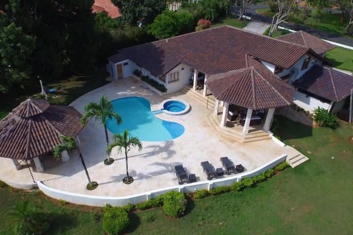 Villa Maud.... grande y confortable villa
