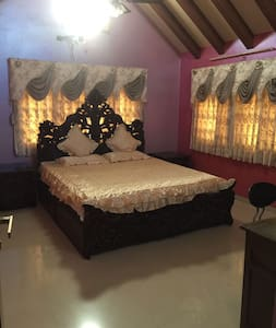 Fully furnished Bungalow withall modern amenities - Gandhinagar - 平房