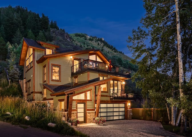 Stunning Ski in home/ Minturn Mile