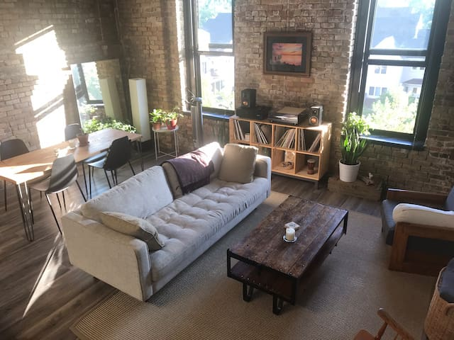 The North Loft | Authentic Modern Warehouse