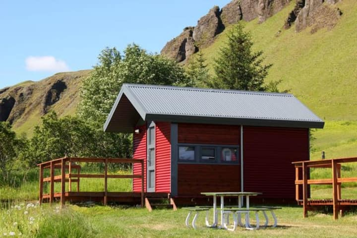 Cottage 6 Kirkjubær II -Sleeping bag accommodation