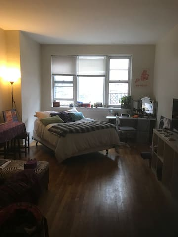 Charming studio upper east side NYC
