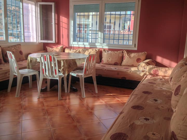 Calm apartment to rent near sea in Imi ouaddar