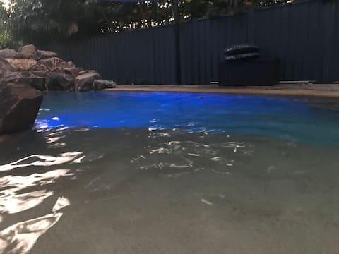 Huge house & pool, near the beach!!
