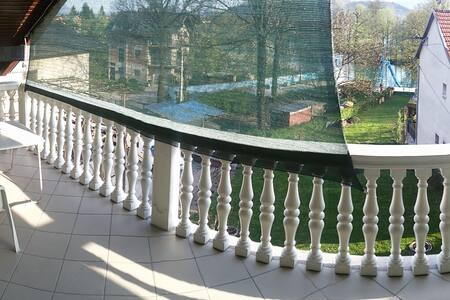 Calm apartment - Balcony&Riverview - Bihać - Lakás
