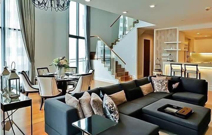 三卧室豪华复式玻璃房