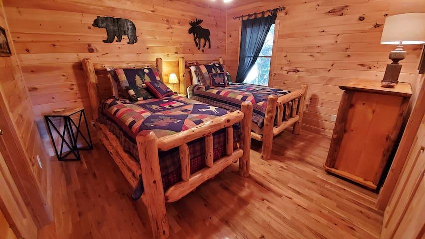Main level bedroom - 2 twins