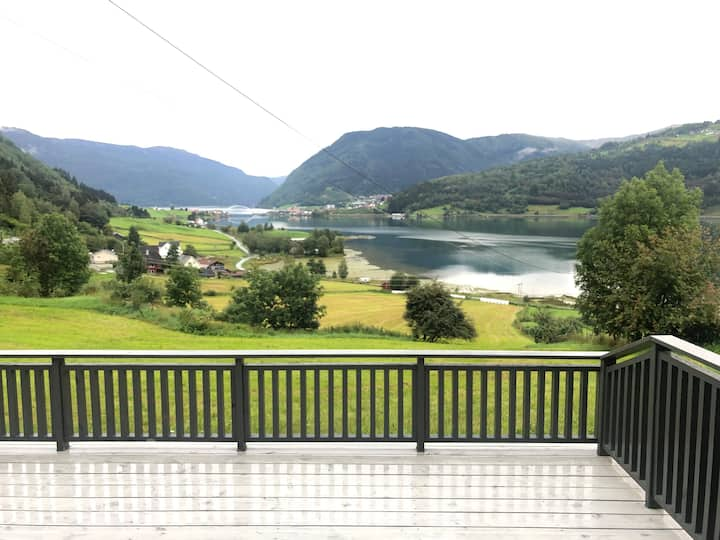 Barsnes fjord Sogndal.