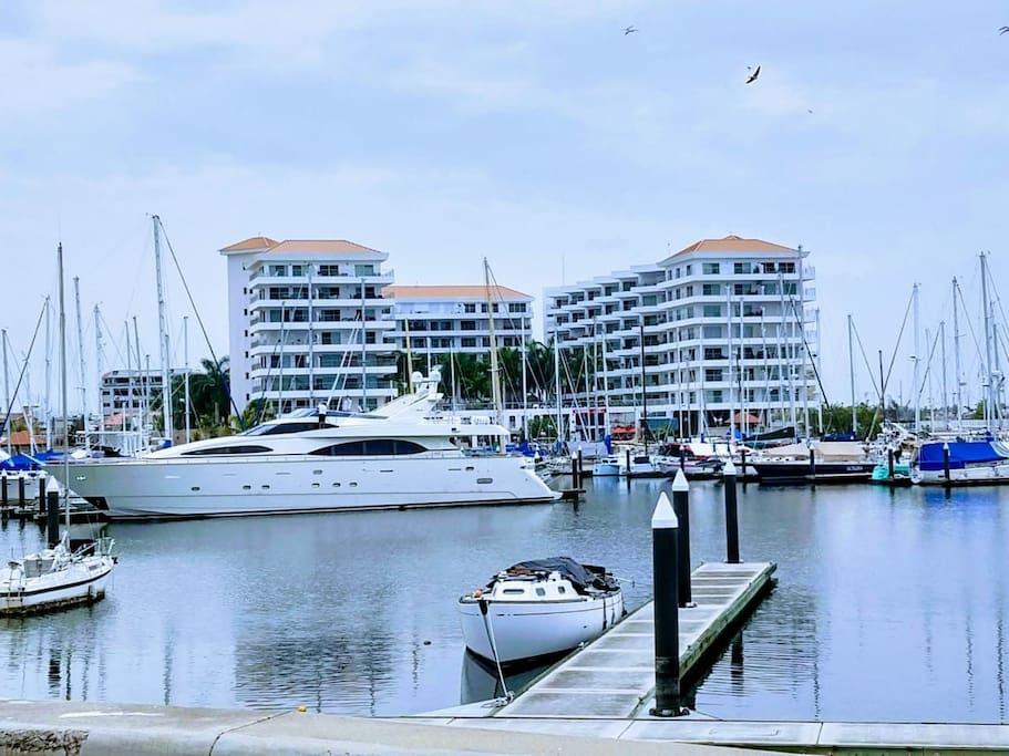 Condominio Costa Veleros ubicado en el lugar más exclusivo Marina Mazatlan