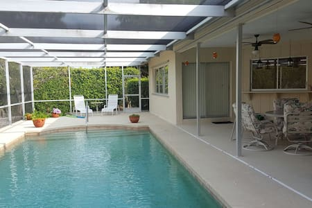 Large 3 bed pool home. - Marco Island