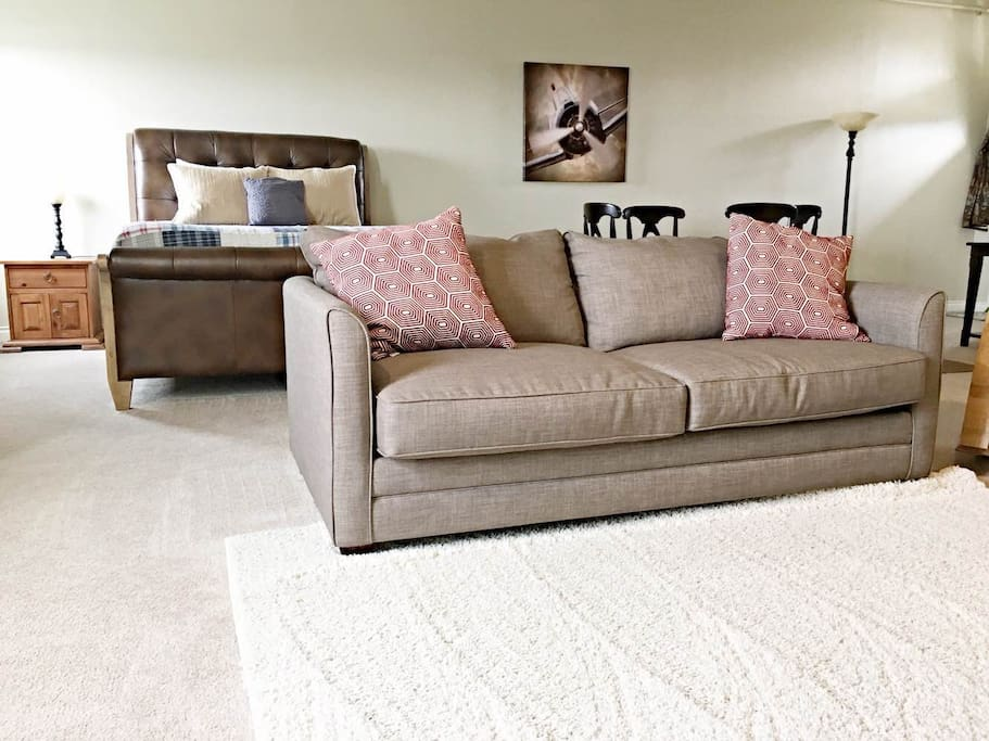 Queen bed and queen memory foam pull-out couch.
