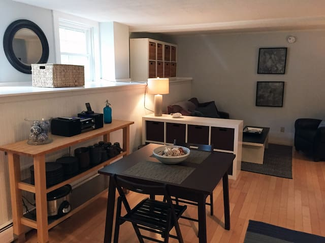 Modern 1BR Stowe Condo in the Heart of the Village - Stowe - Huoneisto