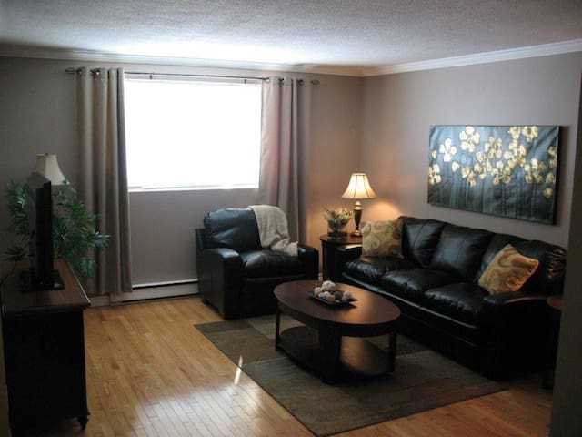 Cozy and Stylish 2 bedroom Condo