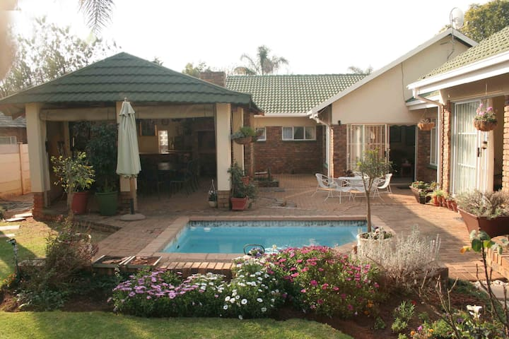 Stay@Klipkraal self catering accommodation WiFi/TV