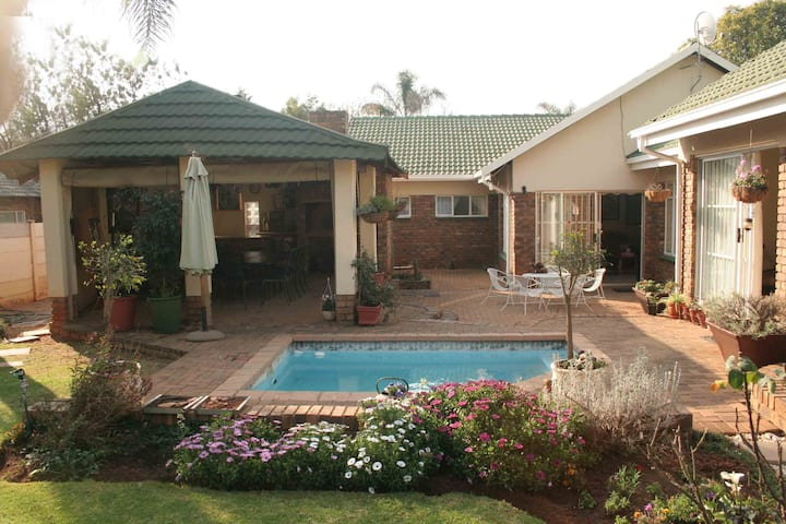 Stay@Klipkraal self catering accommodation WiFi/TV