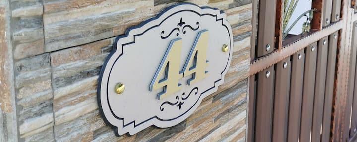 Santai 44