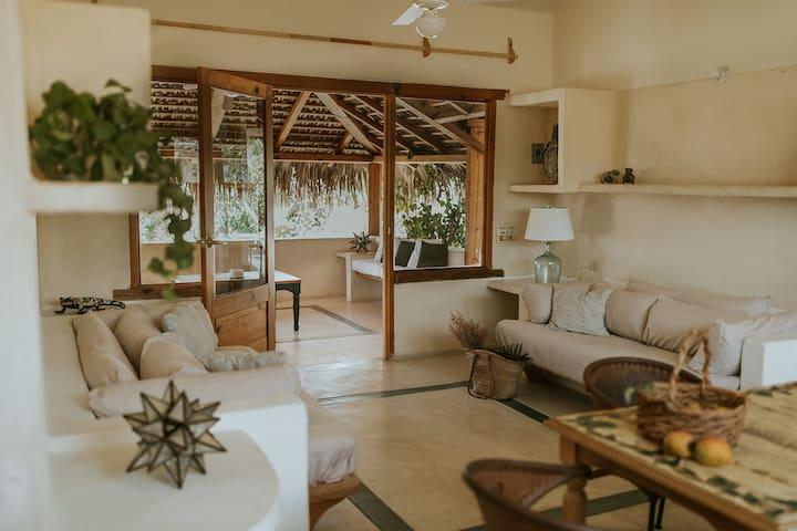 Villa Gardenia - Oceanfront Casa Mango
