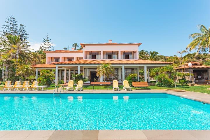 Luxury Villa Mar with Private Sea Access