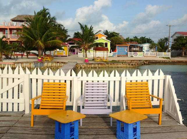 Next to the Split and Beach- 'double room' MP - Caye Caulker