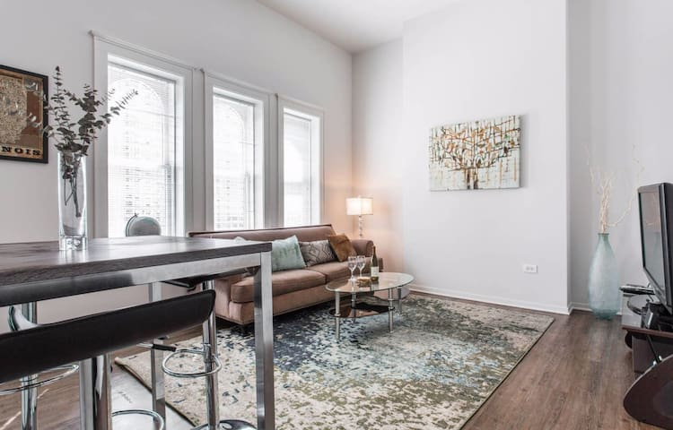 NEW! Premium Downtown Location! 2 BD-Modern & Cozy