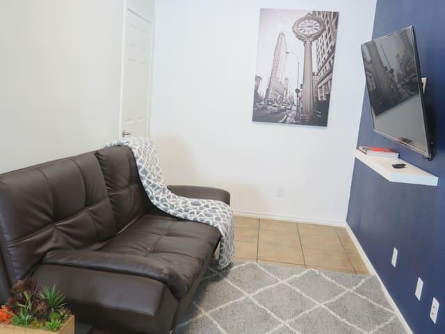 Modern 1 Bedroom Guest Suite near Dallas LoveField
