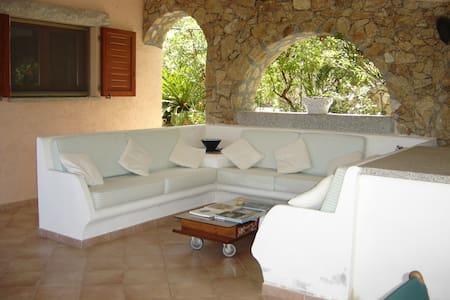 Villa Faro vicino alla spiaggia - Conca Verde - Hus